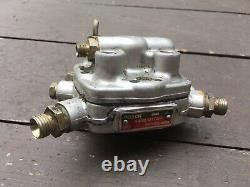 Mercedes Benz 4-Cylinder Fuel Injection Distributor 0438101004